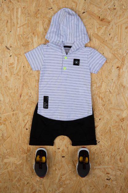 Conjunto Bebê Camiseta com Capuz e Bermuda